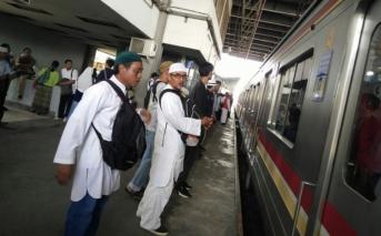 penumpang-krl-aksi-212